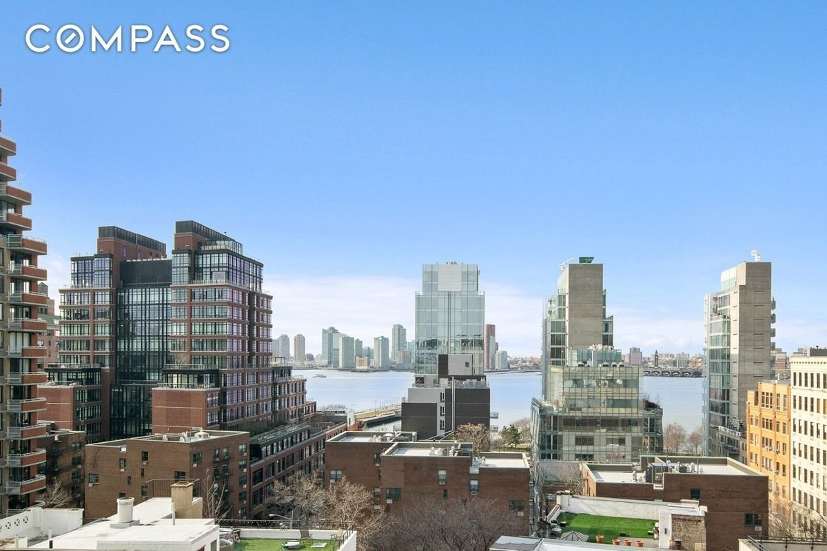 2 Bedroom Apartments For Rent In Nyc Under 1000 720 Greenwich Street 9d In West Village Manhattan
