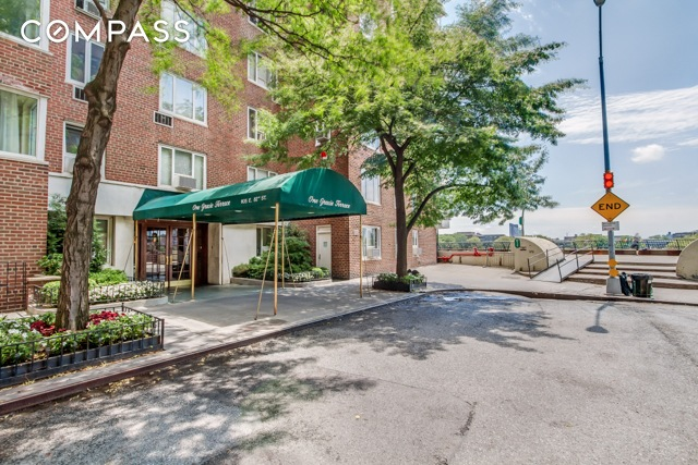 Streeteasy one gracie terrace at 605 east 82nd street in for 1 gracie terrace new york ny