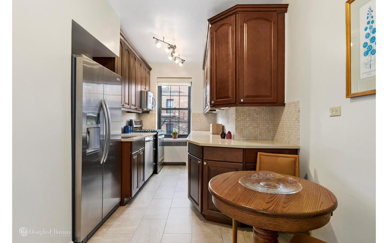 Streeteasy 50 park terrace west in inwood 5f sales for 50 park terrace east