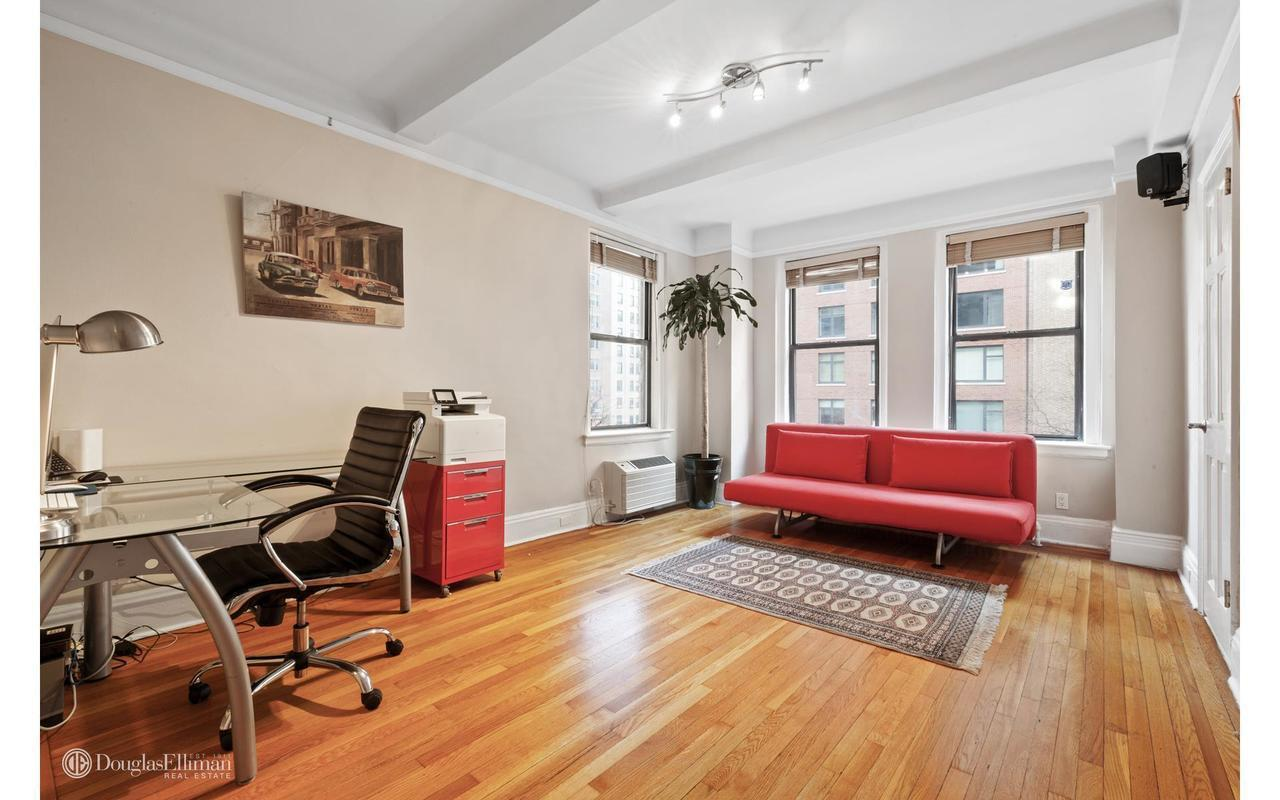Streeteasy 305 west 86th street in upper west side 5b for Living room 86th street brooklyn ny