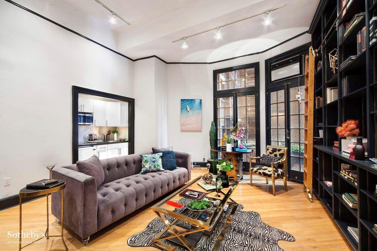 205 West 57th Street 2dd In Midtown Manhattan Streeteasy