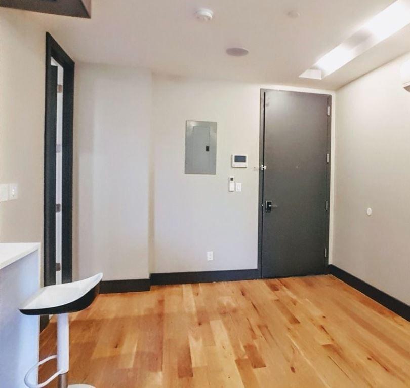 1722 Albert Street Apartments: StreetEasy: 17-22 Stanhope Street In Ridgewood, #3A