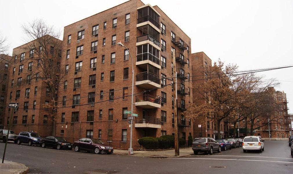 665 Thwaites Pl In Bronxwood Sales Rentals Floorplans