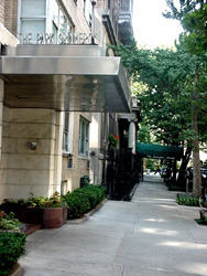 7 Lexington Avenue #2H