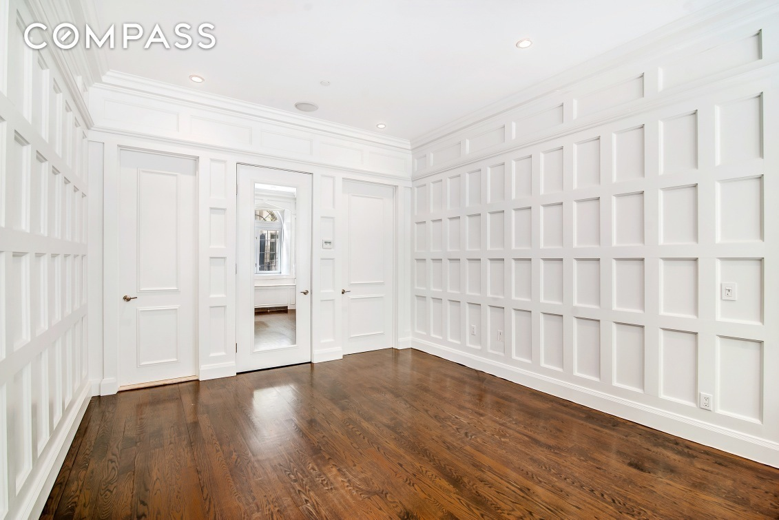 Streeteasy 12 East 62nd Street In Lenox Hill 1r Sales