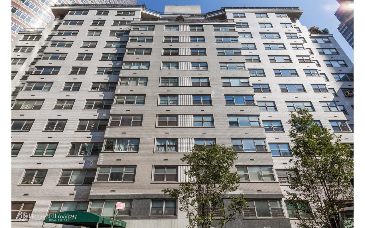 Streeteasy The Hawthorne At 211 East 53rd Street In