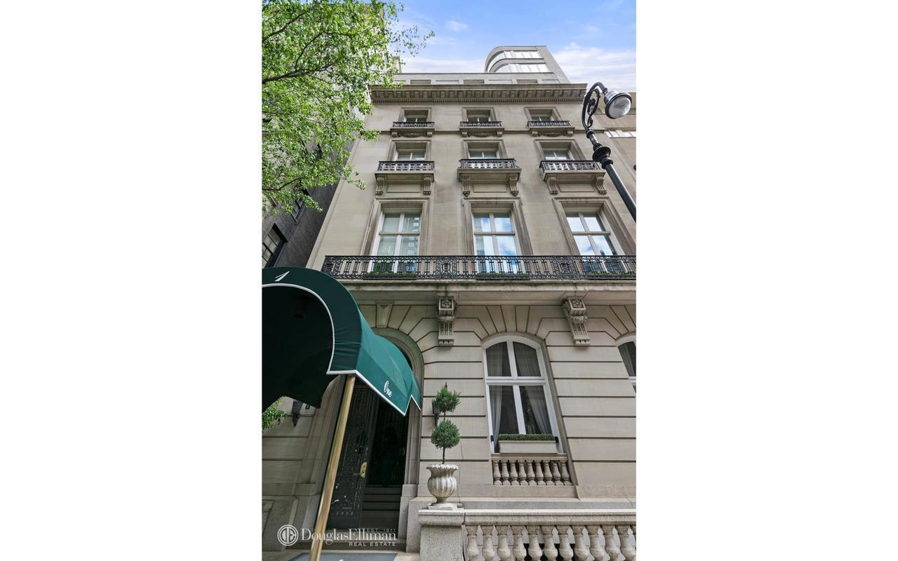 Streeteasy 1 East 62nd Street In Lenox Hill 3ab Sales