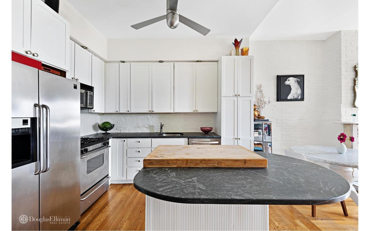 Streeteasy 98 2 place in carroll gardens 4 5thfl sales for 10 grand army plaza 2nd floor brooklyn ny 11238