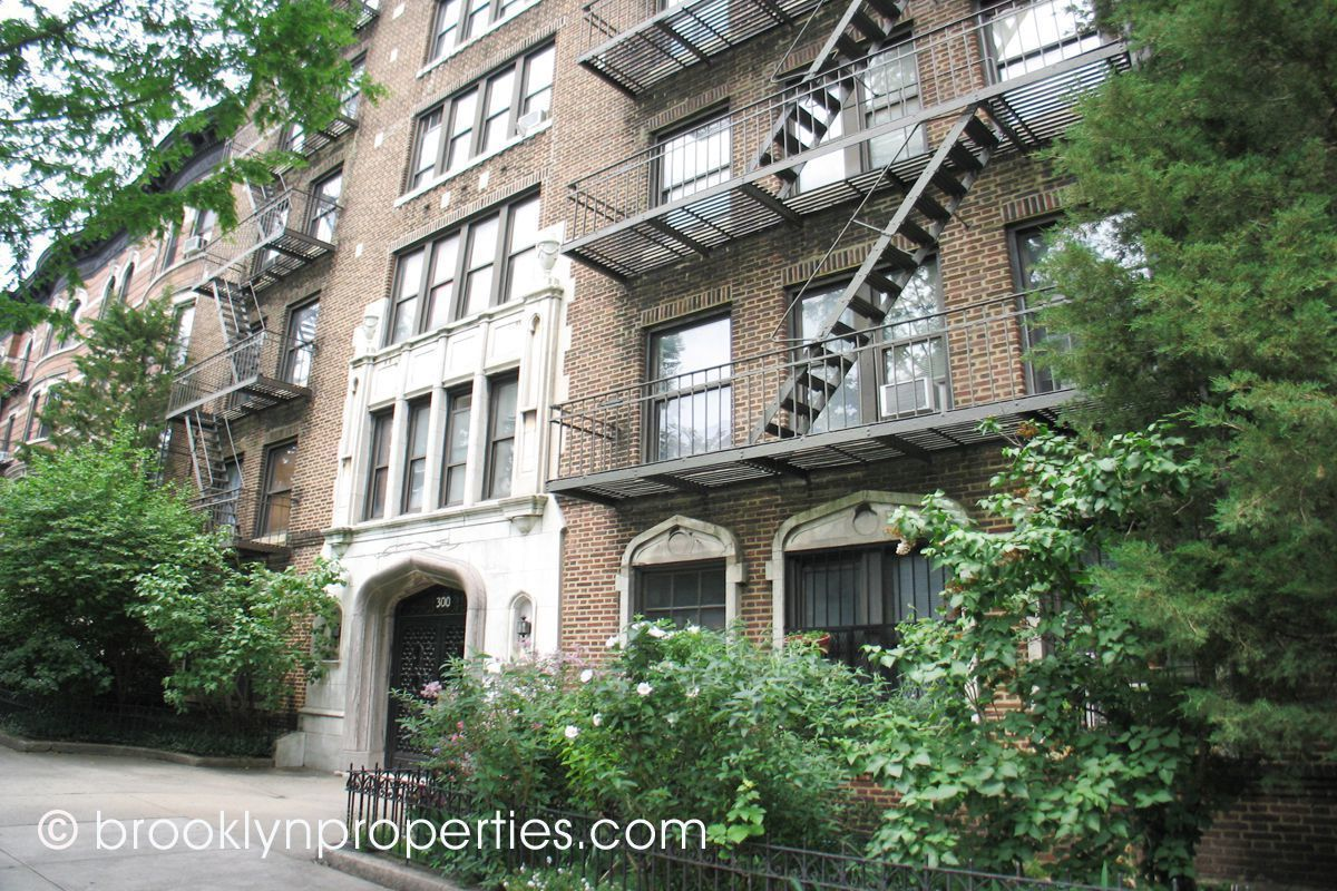 300 Eighth Ave  in Park Slope : Sales, Rentals, Floorplans