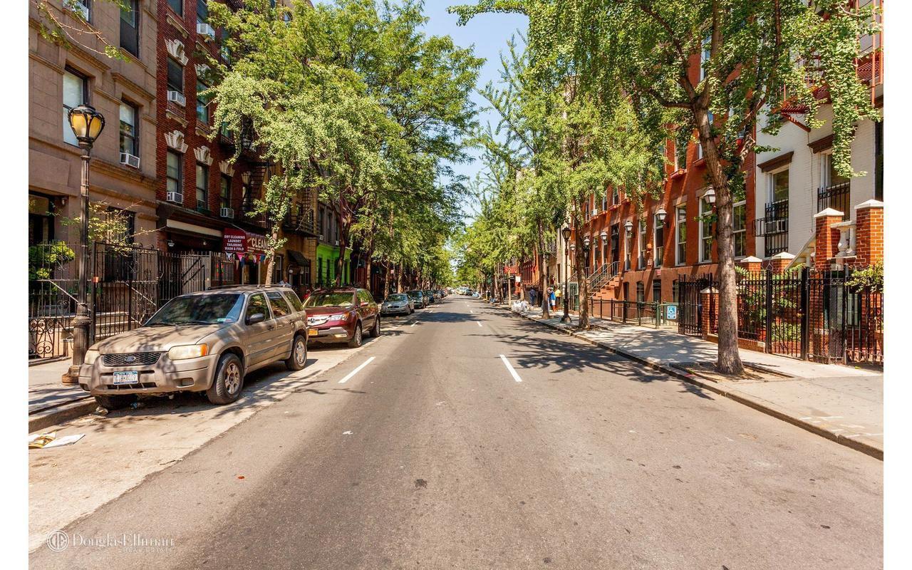 Streeteasy 415 West 46th Street In Hell S Kitchen 4b