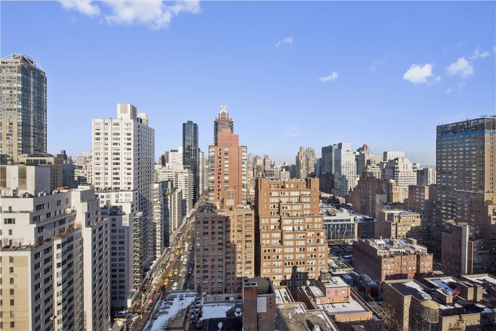 300 East 62nd Street 2503 In Lenox Hill Manhattan