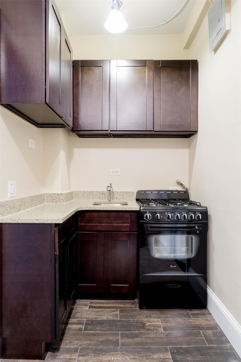 Streeteasy 257 west 86th street in upper west side 3d for Living room 86th street brooklyn ny