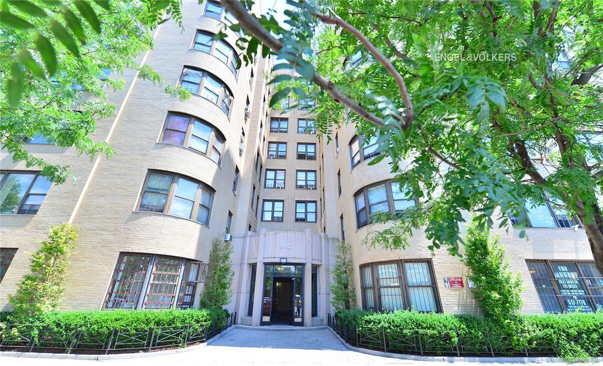 Room For Rent In Bronx Grand Concourse