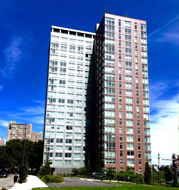 Roosevelt Island Apartments: StreetEasy: Riverwalk Point At 480 Main Street In