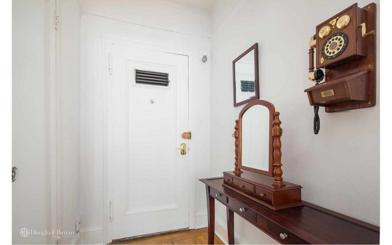 Streeteasy 162 West 56th Street In Midtown 1501 Sales