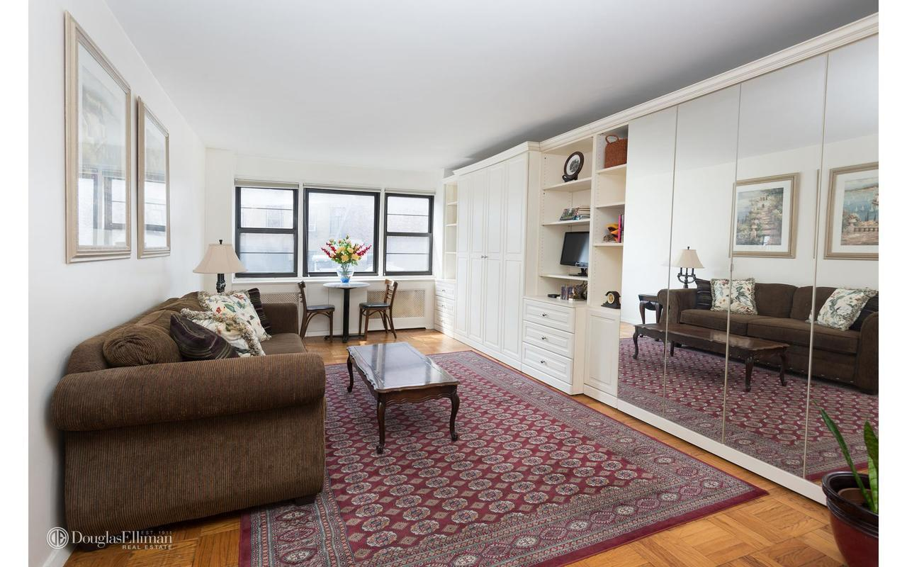 Streeteasy 39 gramercy park north in gramercy park 9b for Gramercy park apartments for sale