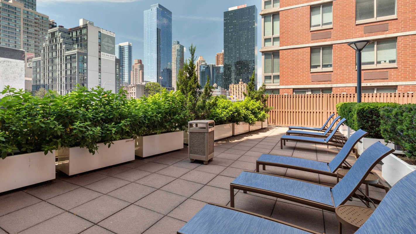 Streeteasy Hudson Crossing At 400 West 37th Street In