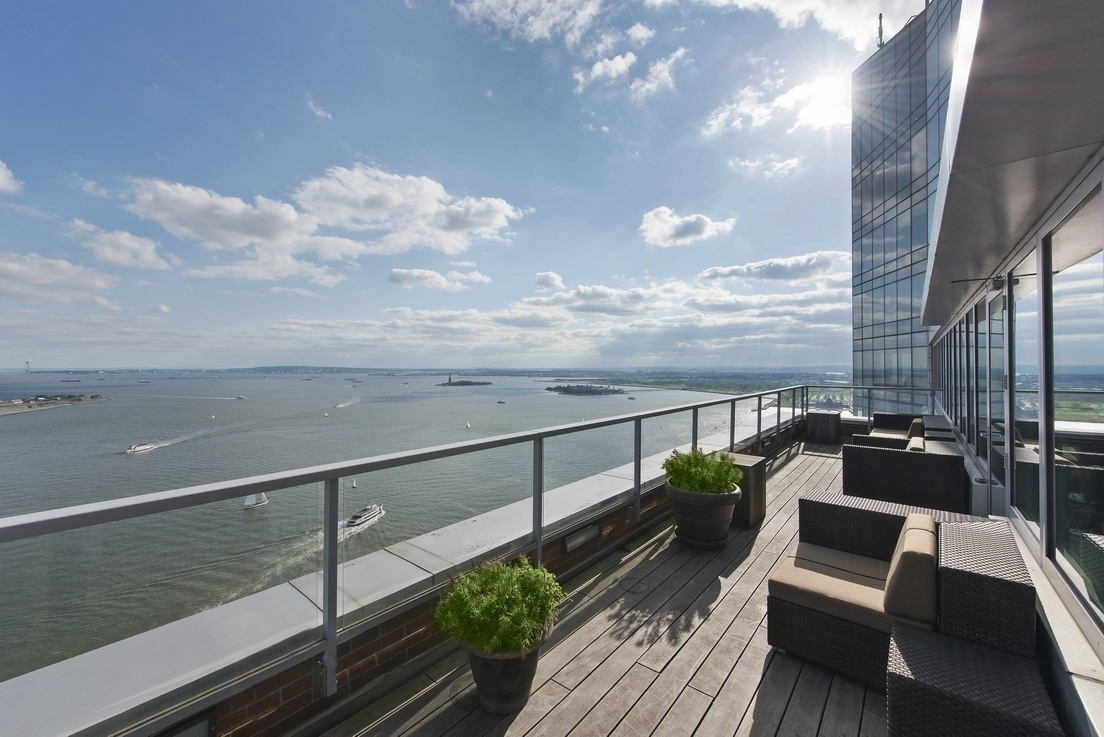 Condo In Battery Park City. 10 Little West Street #24F
