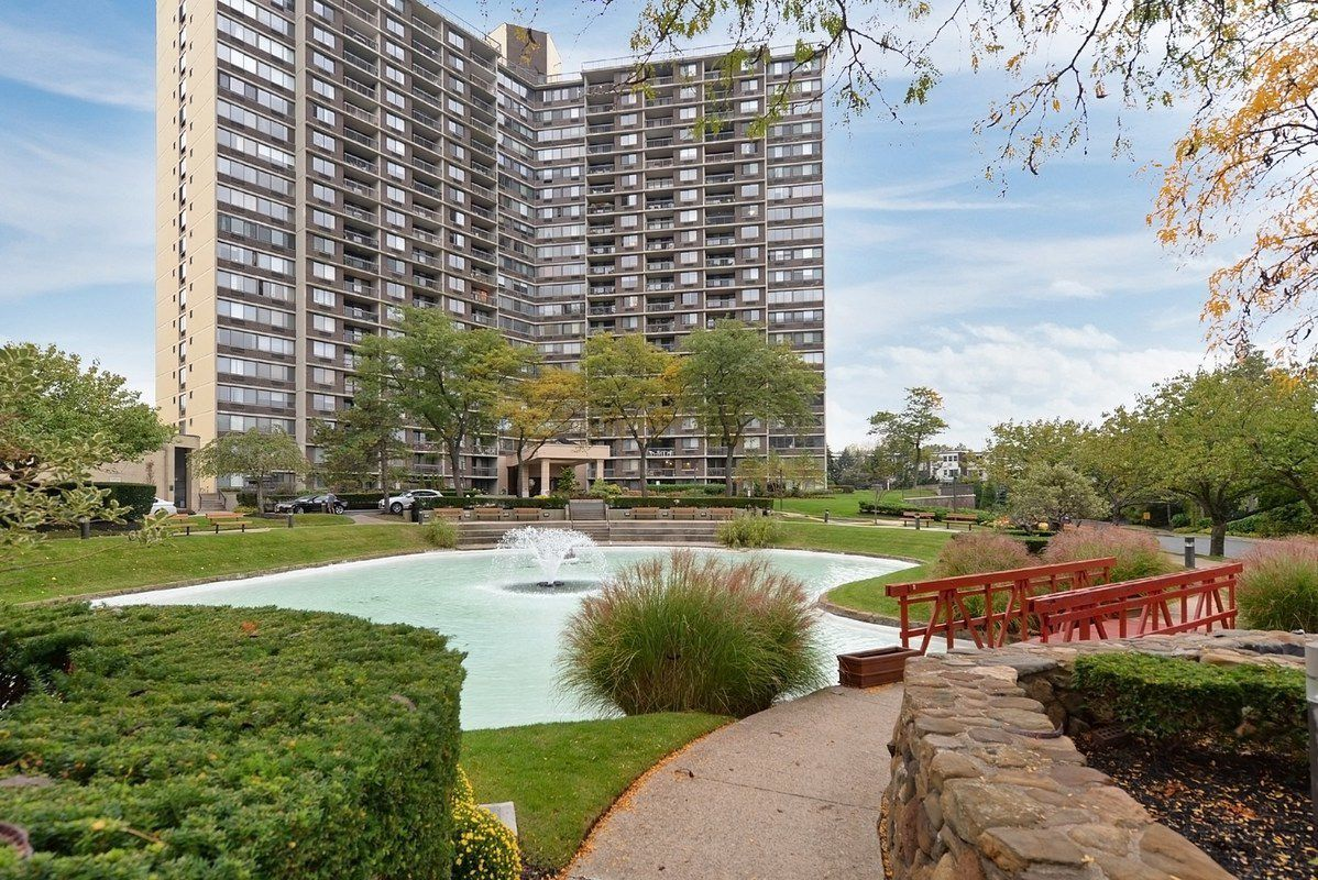 Pleasant 1 Bay Club Drive In Bay Terrace Queens Sales Rentals Download Free Architecture Designs Rallybritishbridgeorg