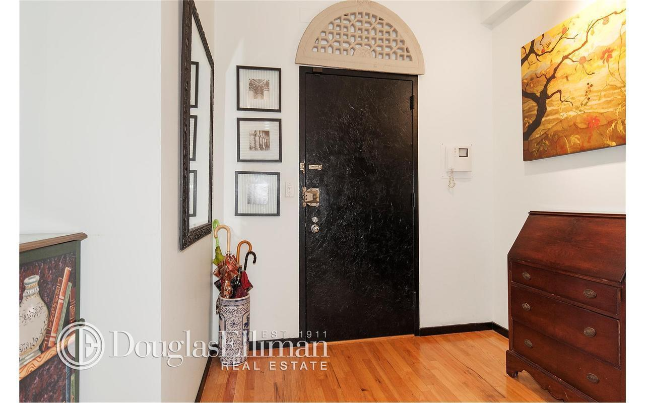 Streeteasy 120 west 18th street in chelsea 2b sales for 120 east 16th street 4th floor new york ny 10003