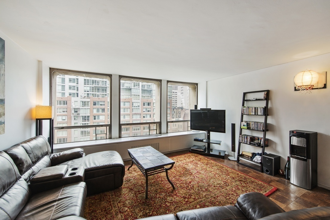 Streeteasy Kips Bay Towers At 300 East 33rd Street In