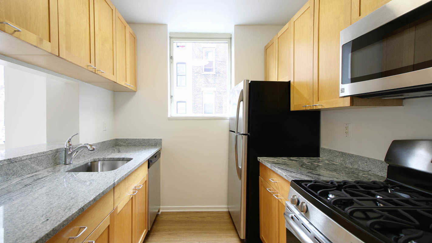 Streeteasy longacre house at 305 west 50th street in hell for Hell s kitchen luxury apartments