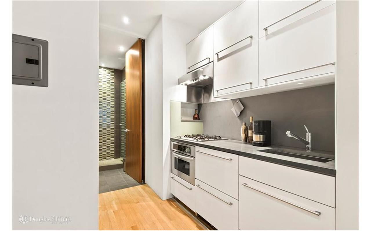 Streeteasy 50 East End Avenue In Yorkville 3b Sales