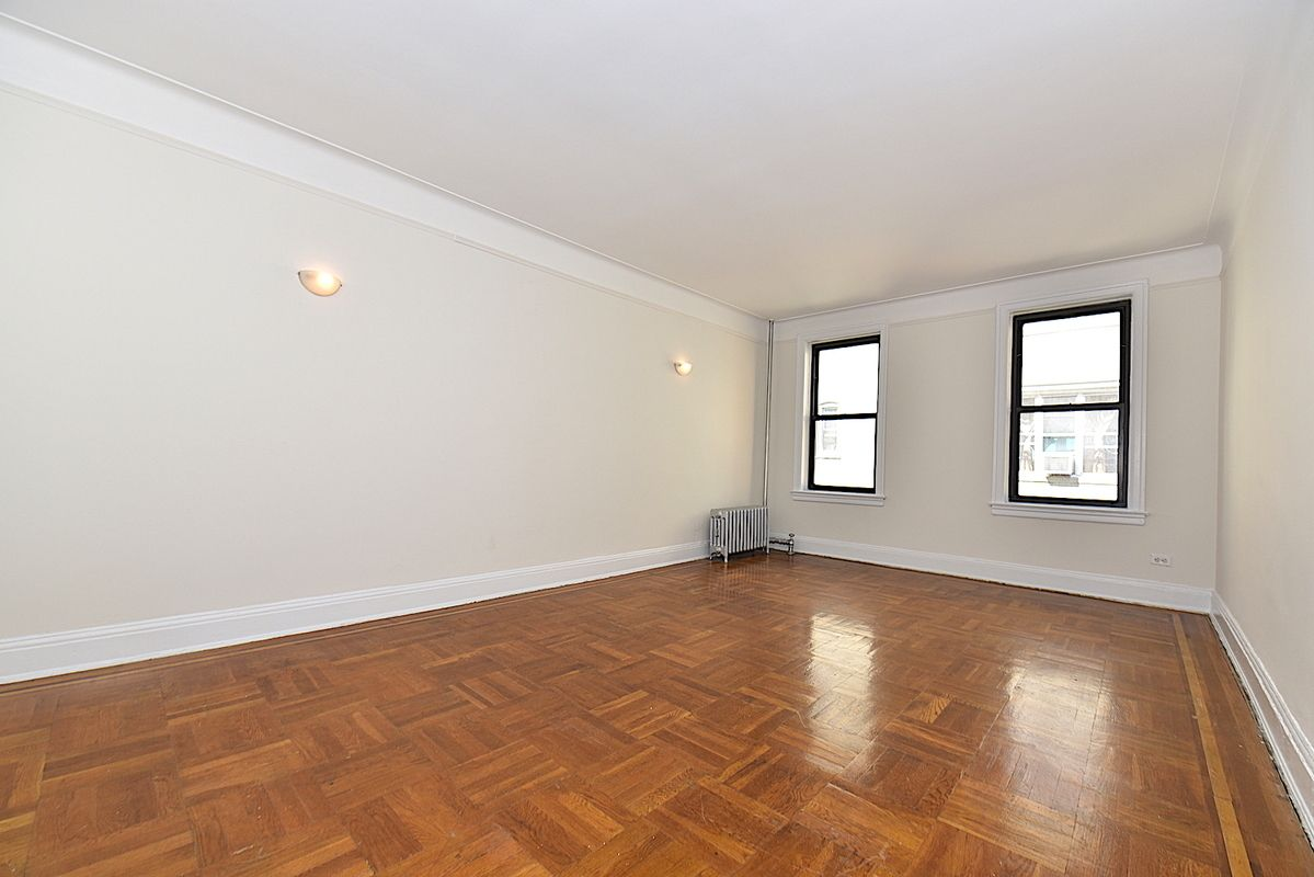 Streeteasy 31 70 34th Street In Astoria 3e Sales
