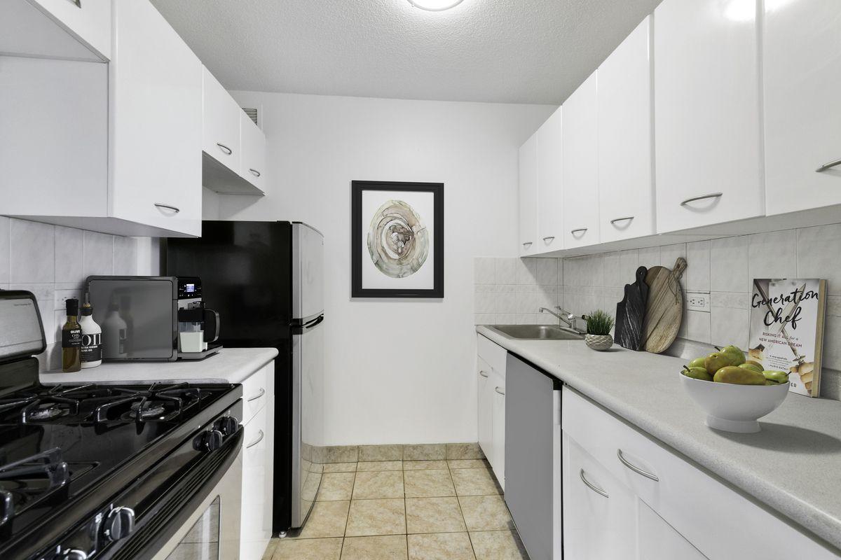 2 South End Avenue, New York, NY, 10280