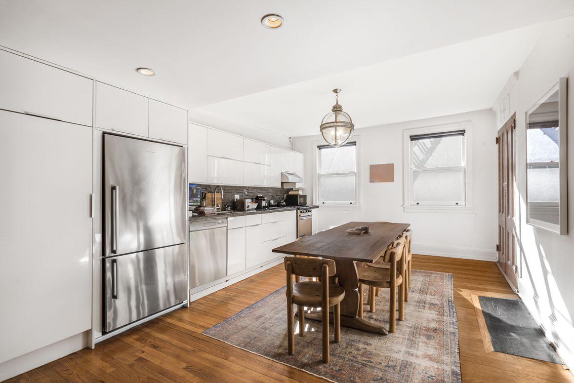 112 Waverly Place, New York, NY, 10011