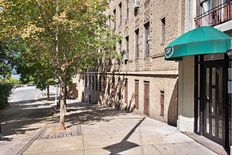 Streeteasy 750 Riverside Drive In Hamilton Heights 2b