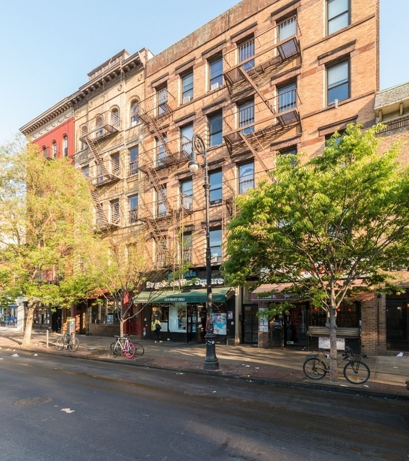Easy Street Rentals: StreetEasy: 7 Carmine Street In West Village, #17