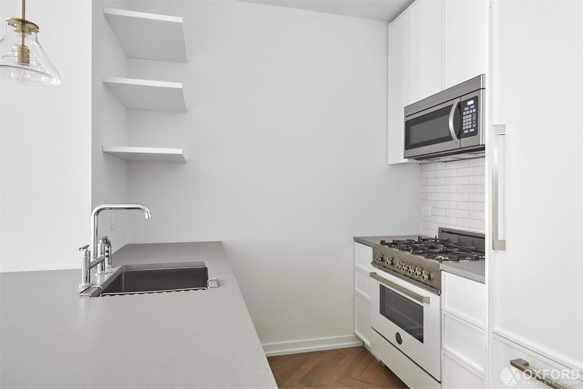 StreetEasy: Austin Nichols House at 184 Kent Avenue in Williamsburg ...