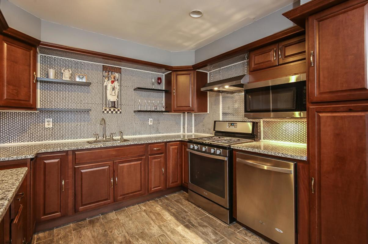 singles in tappen This is a single-family home located at 8 windsor pl, old tappan nj, 07675 8 windsor pl has has approximately 2,394 square feet the property has a lot size of 057 acres and was built in 1969 8 windsor pl is in old tappan and in zip code 07675.