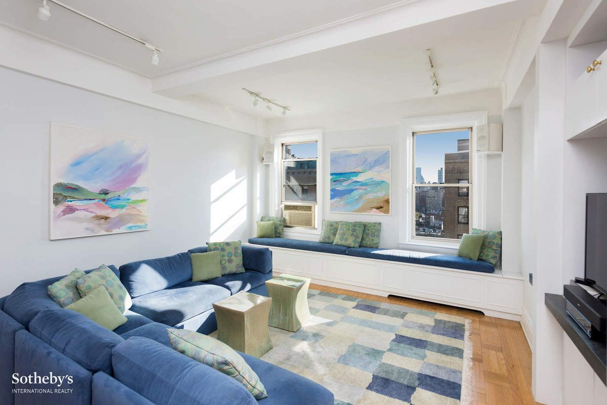 photo - Living Room 86th Street