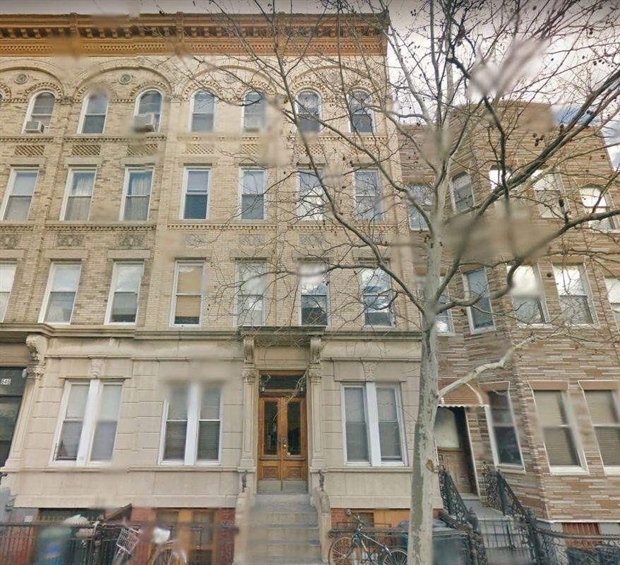 StreetEasy: 644 Leonard Street In Greenpoint, #3L