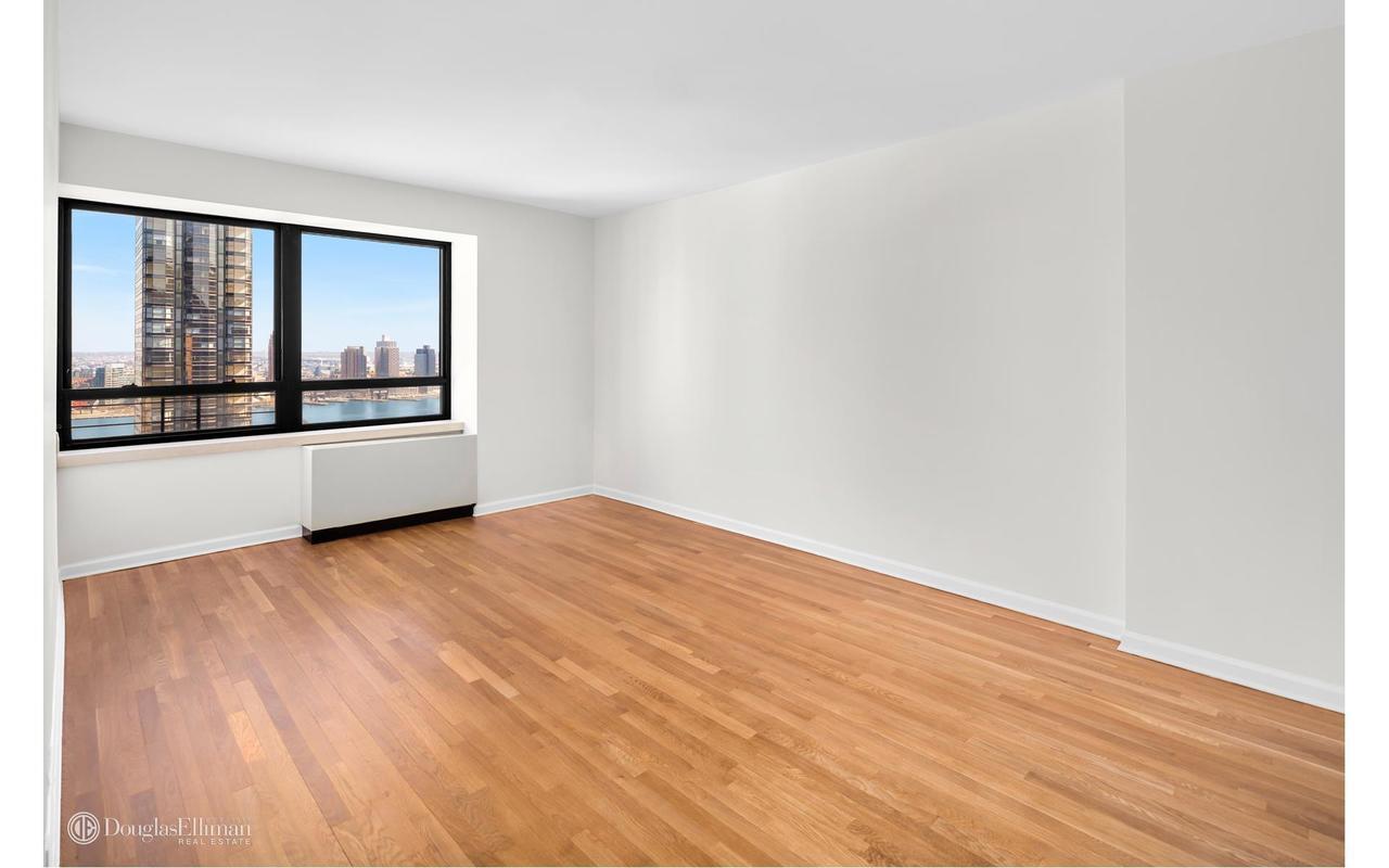 Streeteasy dag hammarskjold tower at 240 east 47th street for 1 dag hammarskjold plaza 7th floor new york ny 10017