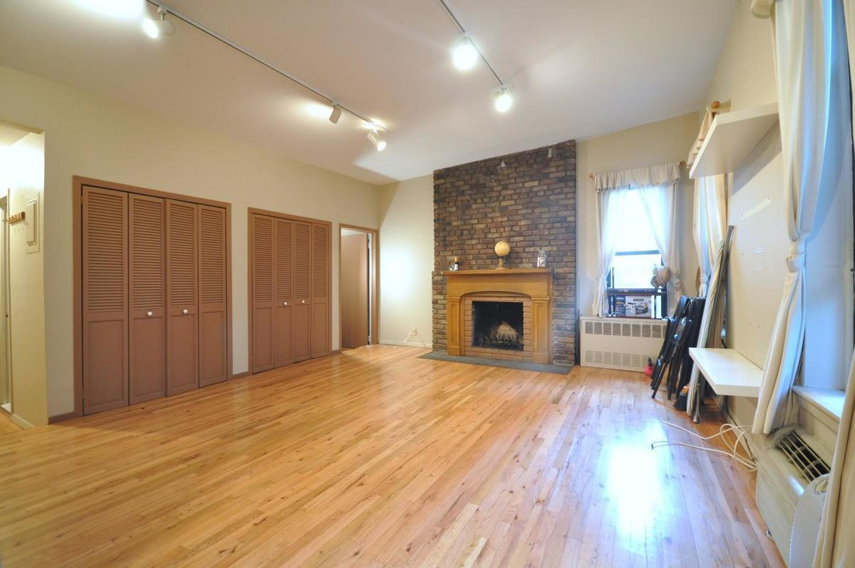 Rent A Room Nyc East Village Summer