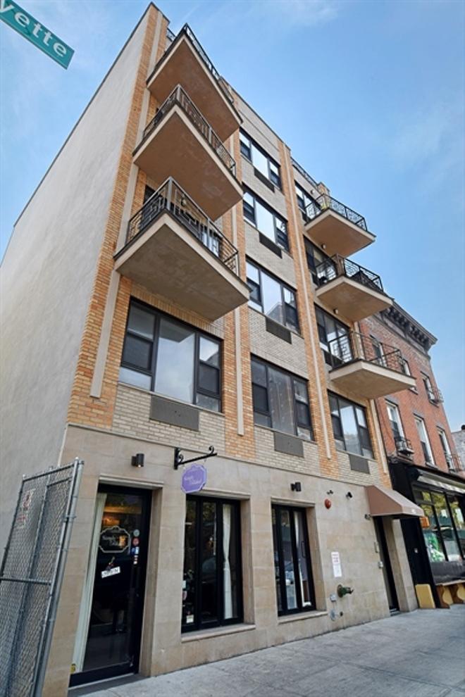 StreetEasy: 452 Lafayette Avenue in Bedford-Stuyvesant, #5FRONT