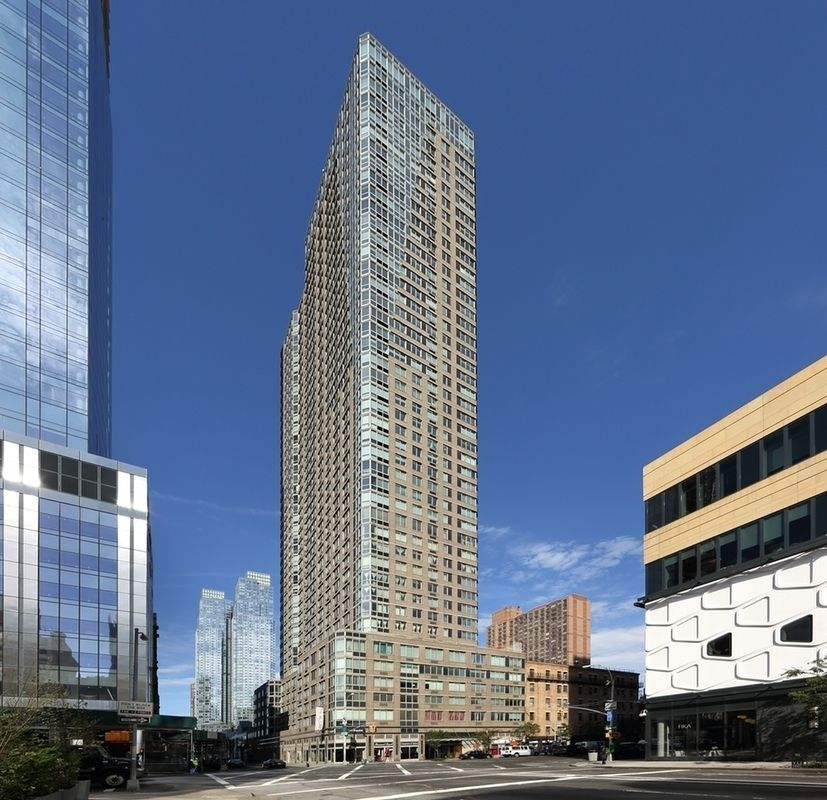 StreetEasy: The Victory At 561 Tenth Avenue In Hell's