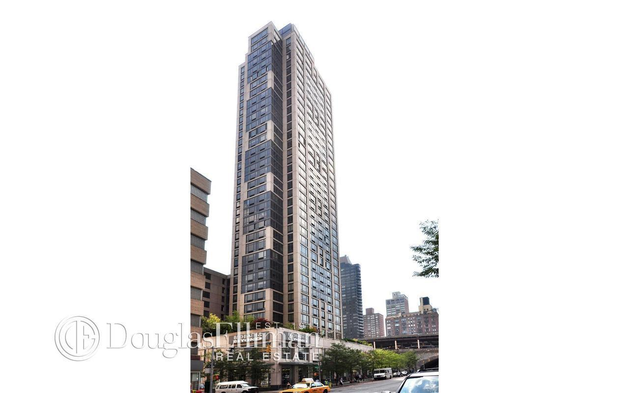 Bridge Tower Place At 401 East 60th St 35c