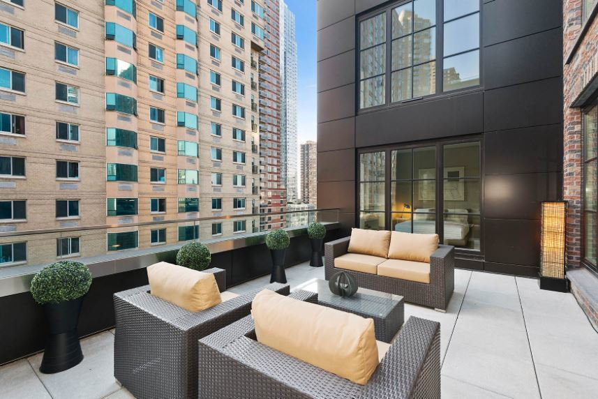 535W43 at 535 West 43rd St  in Hell's Kitchen : Sales