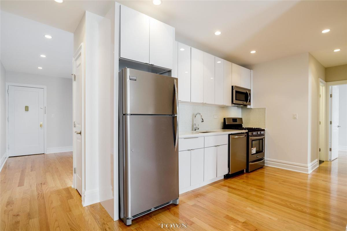 Streeteasy 105 Bennett Avenue In Hudson Heights 45b