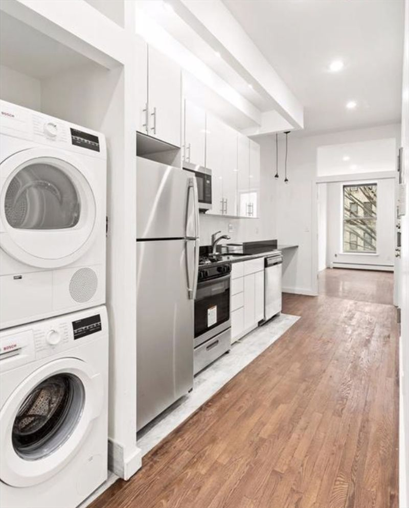 Streeteasy Rentals: StreetEasy: 551 Manhattan Avenue In South Harlem, #2
