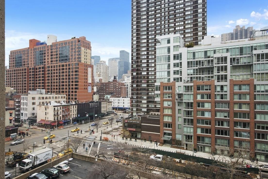 Streeteasy Kips Bay Towers At 300 East 33rd Street In