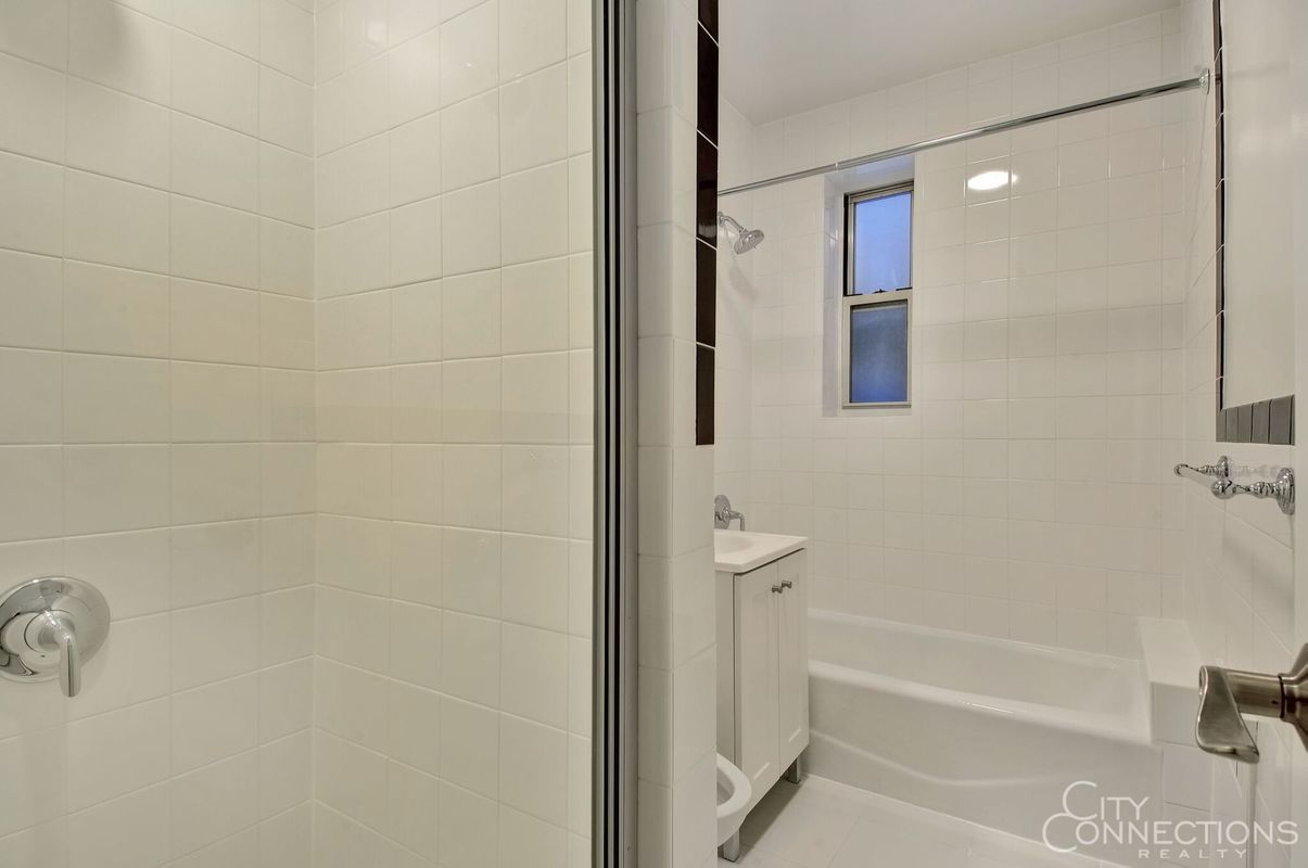 StreetEasy: 105-05 69th Avenue In Forest Hills, #116