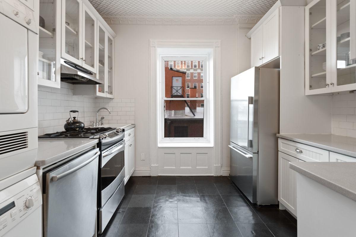 62 Montague Street, Brooklyn, NY, 11201