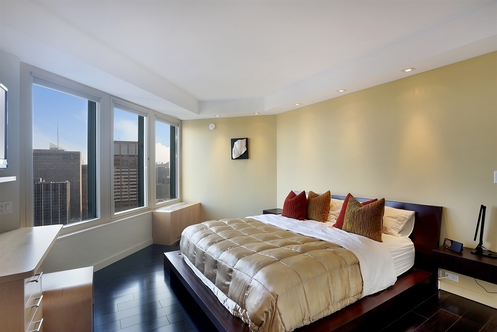 Streeteasy Cityspire At 150 West 56th Street In Midtown