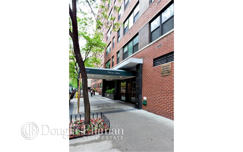 Streeteasy The Victoria House At 200 East 27th Street In