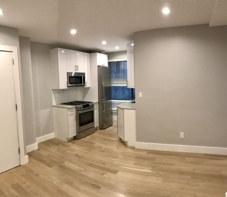 Streeteasy Rentals: StreetEasy: 114 East 40th Street In Murray Hill, #9B